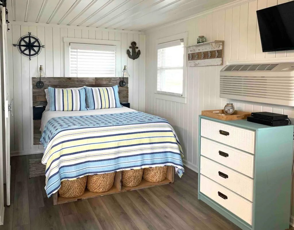 Photo of the bedroom at a Holden Beach cottage Airbnb.