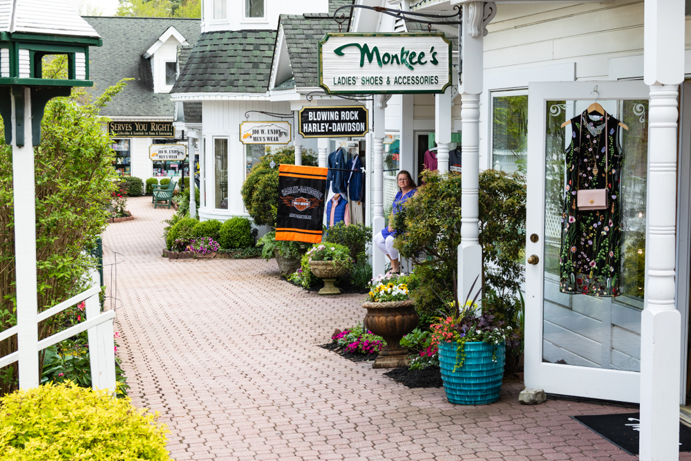 Blowing rock is one of the small North Carolina Mountain towns perfect for spending a day