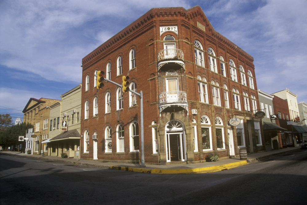 small towns in the Blue Ridge Mountains head to Lewisburg is West Virginia