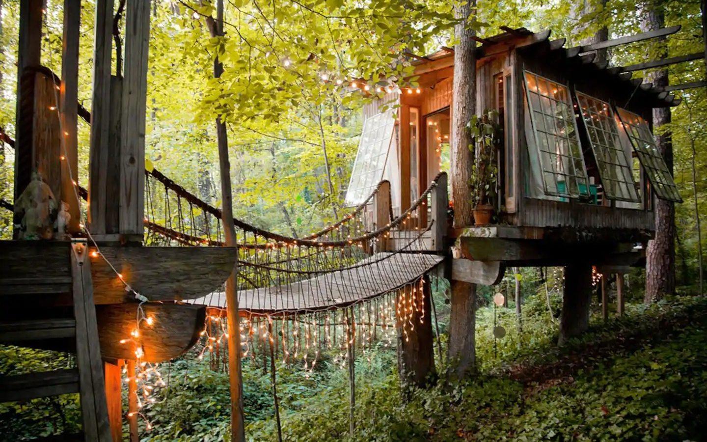 gorgeous treehouse in Georgia
