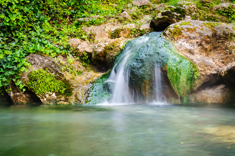 there are some beautiful waterfalls at hot springs national park