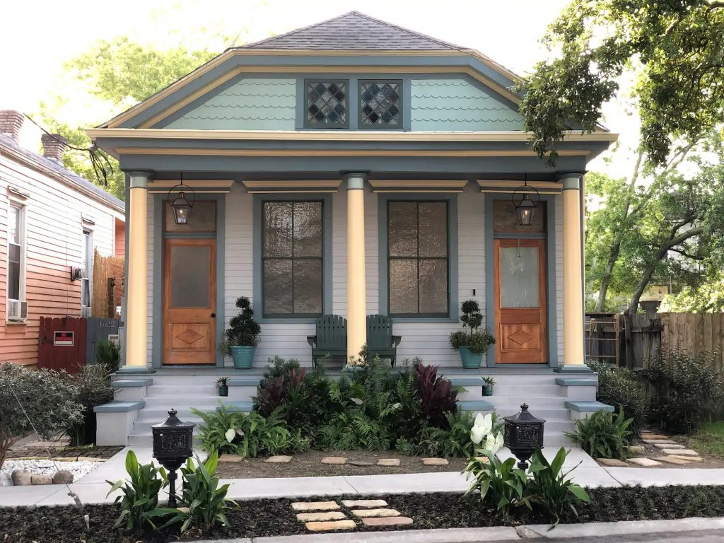 Photo of the front of Casita Gentilly, an airbnb in New Orleans.