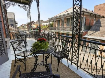 one of the best Airbnbs in New Orleans in the french quarter