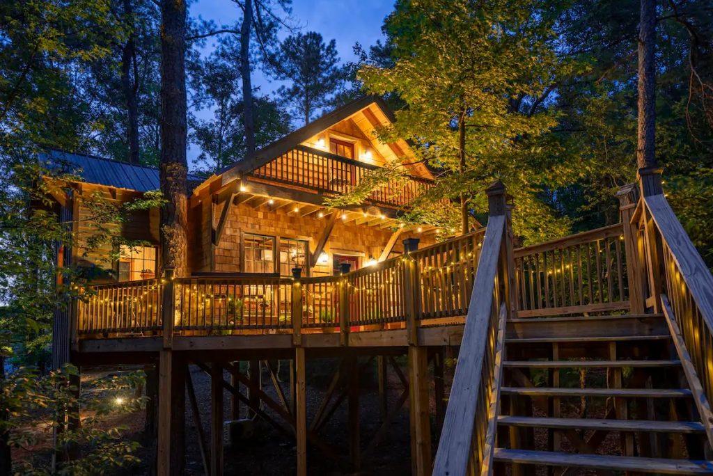 epic treehouses in Georgia