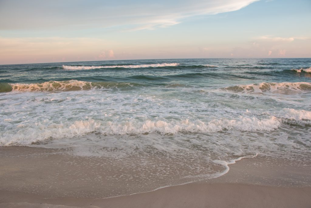 a photo of gulf shores one of the top weekend trips in alabama