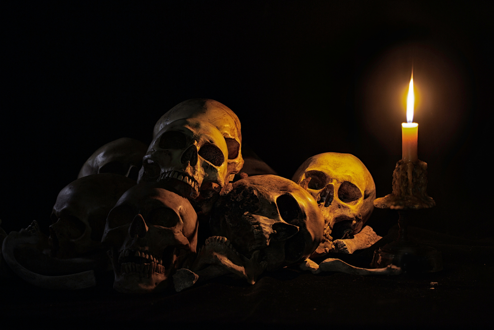 Death is scary, but these ghost tours in Savannah are not too frightening.