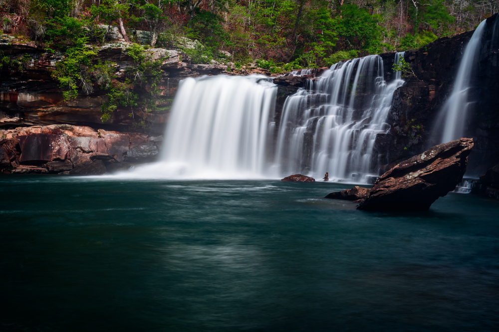 Photo of Little River Falls, one of the prettiest waterfalls in Alabama