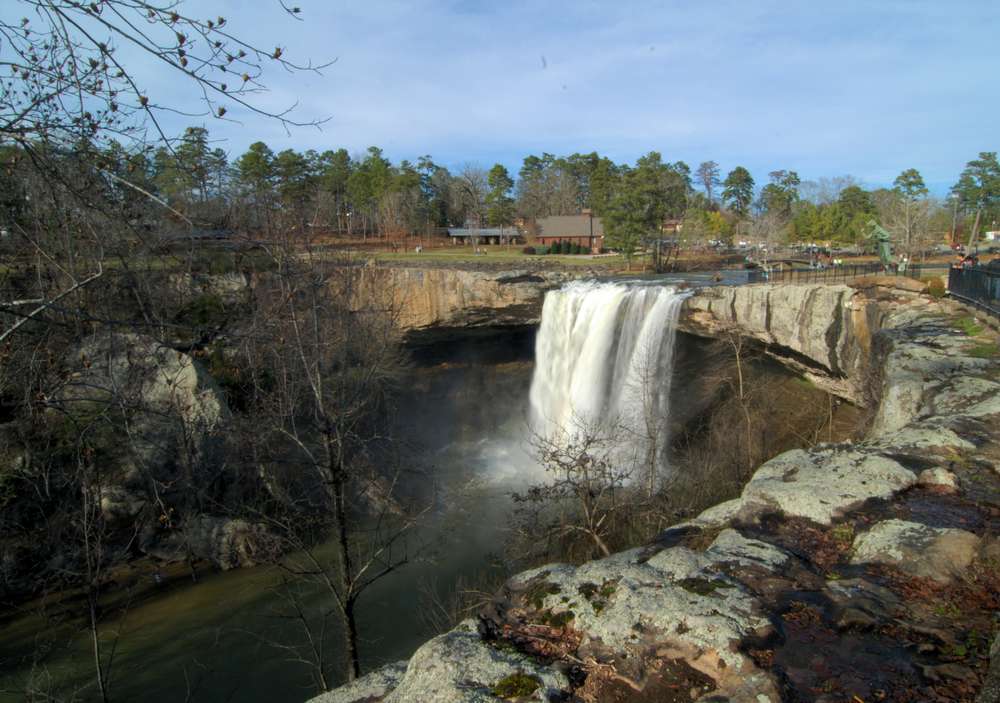 Photos of Noccalula Falls one of the prettiest waterfalls in Alabama