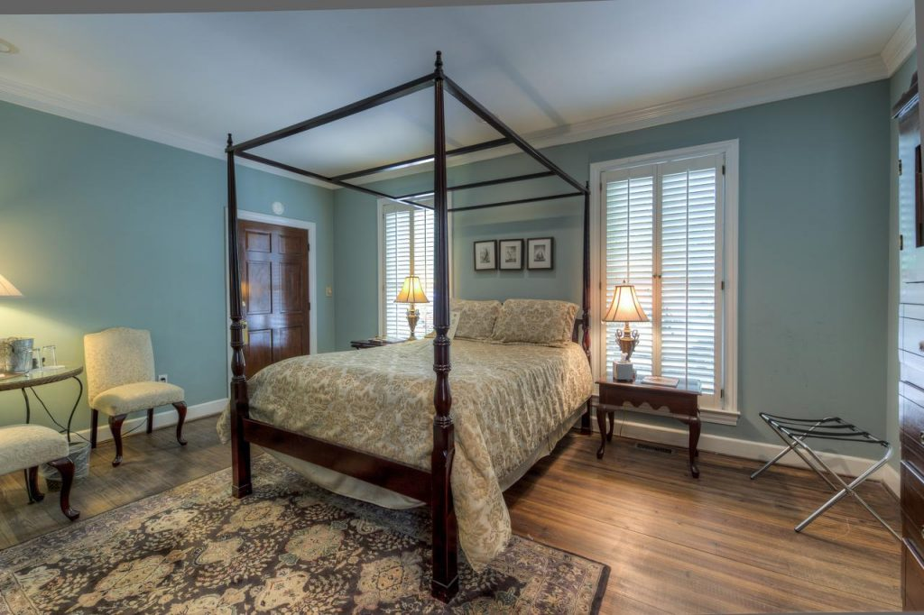 Barksdale House Inn has gorgeous four poster beds that will transport you back in time