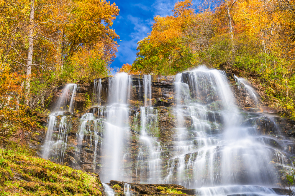 one of the best waterfalls in georgia during the fall