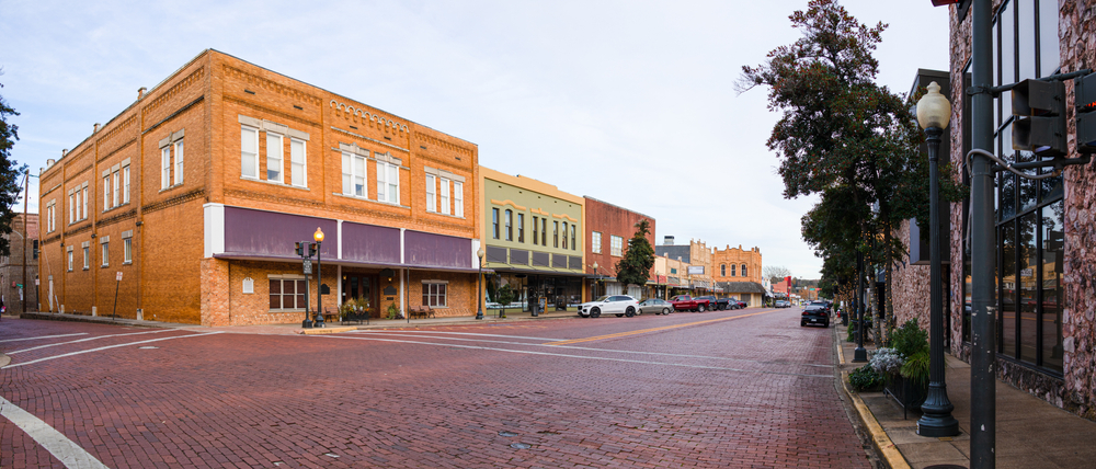 Visiting small towns in Texas like the small town of Nacogdoches is one of the best road trip ideas in Texas