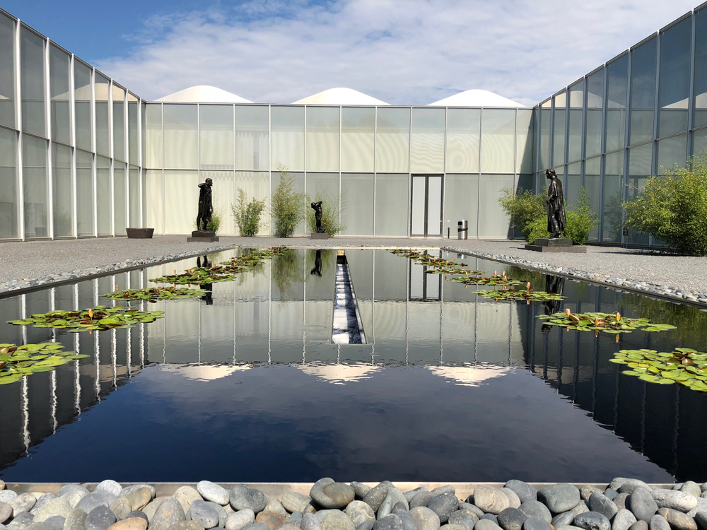 a reflecting pool at the museum of art, one of the best free things to do in Raleigh