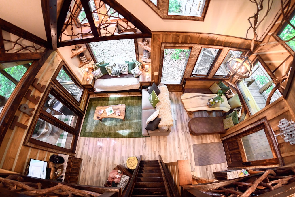 This is a picture perfect treehouse experience