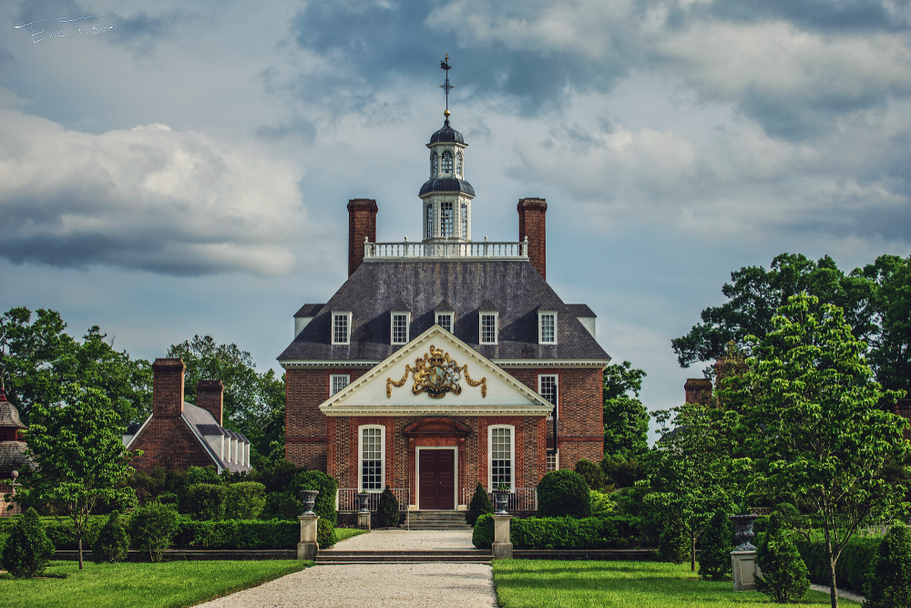 The Governor's Palace in Colonial Williamsburg, one of the best places to visit in Virginia!