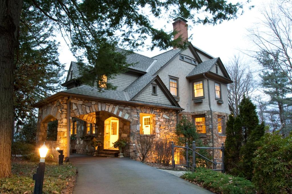 A historic home which is a bed and breakfast in Asheville