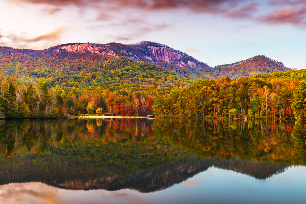 An autumnal dreamscape at Table Rock State Park