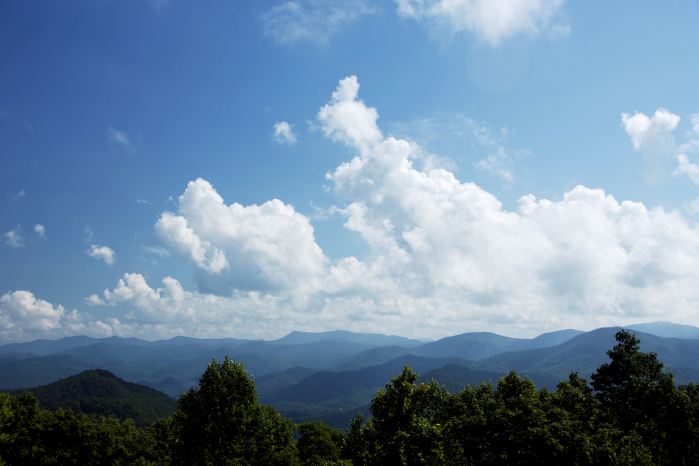 Mountain view on a sunny day in Blue Ridge.