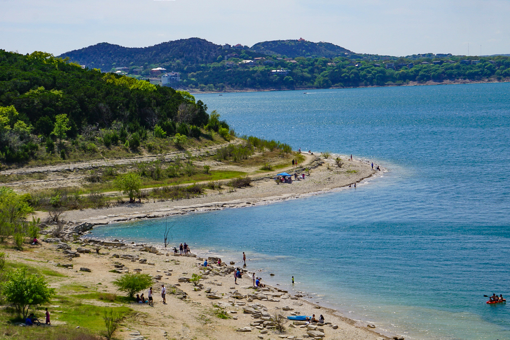 A view of the beach at Overlook Park, one of the best things to do in Canyon Lake.